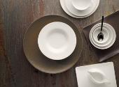 Geschirr- & Porzellanserien